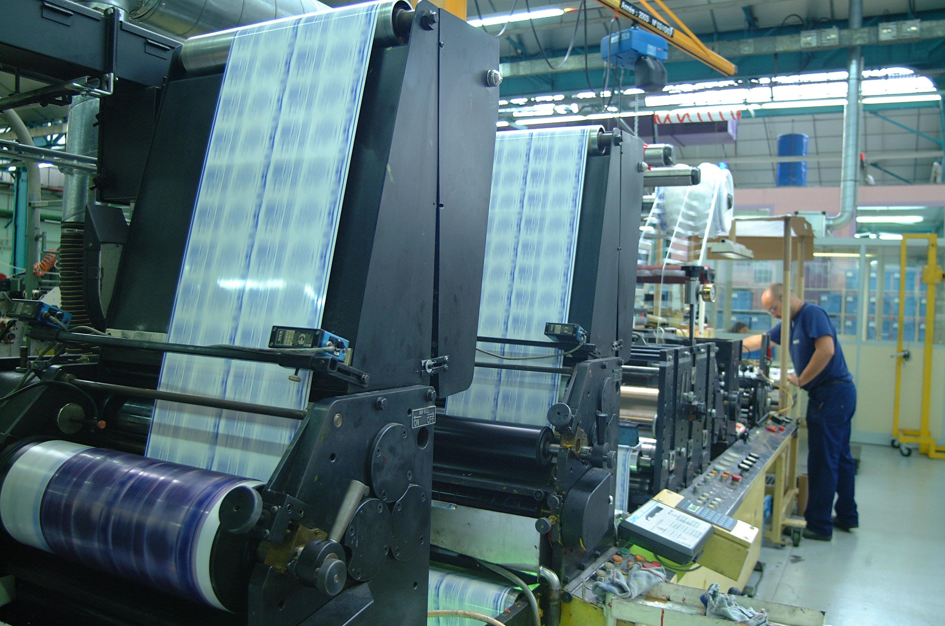 Toute l'imprimerie livrée sur le département de la Maine et Loire(49) gratuitement , vos flyers , affiches, panneaux, banderoles, drapeaux... livrés sur le département de la Maine et Loire(49) avec notre impression de qualitée vous serez épater vos clients, de plus nous avons réussi à allier parfaitement le prix et la qualité faisant de l'imprimerie Européenne l'imprimeur print le moins cher de France sur plus de 85% des produits,  Imprimer à bas prix est donc possible aujourd'hui tout en gardant la qualité, notre impression en ligne vous permet de profiter de petit prix et de la livraison 100% gratuite sur le département de la Maine et Loire(49)