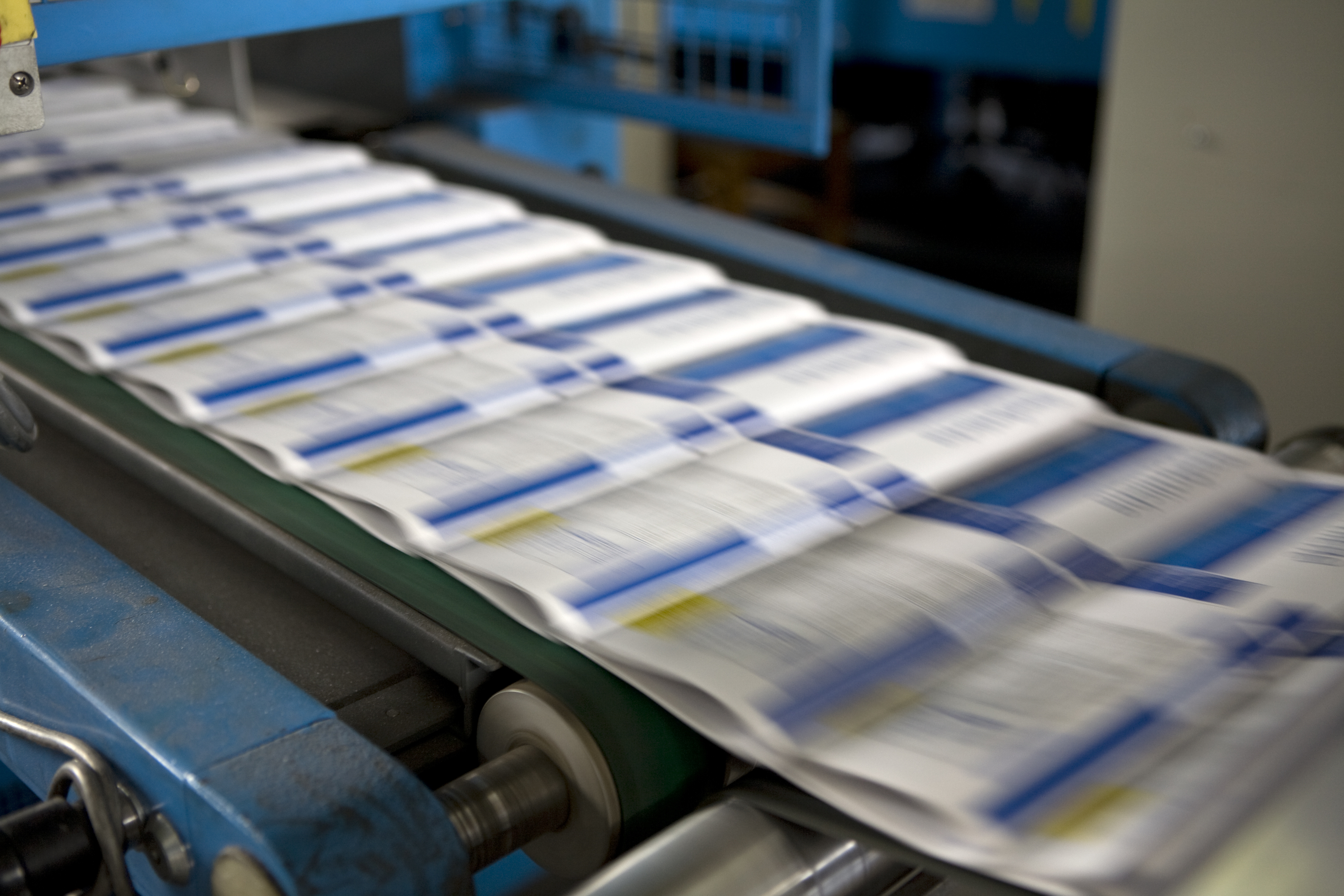 imprimeur spécialisé pour les brochures, agrafées, dos collées, pour petits et grands tirage  sur la Rochelle en charente maritime avec l'imprimerie en ligne www.impression-ing.fr