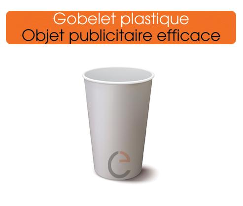 des gobelets plastiques imprimés pour communiquer davantage